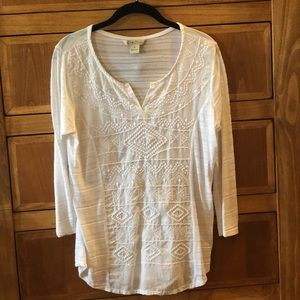 Lucky Brand Knit Embroidered split neck// EUC/ MED
